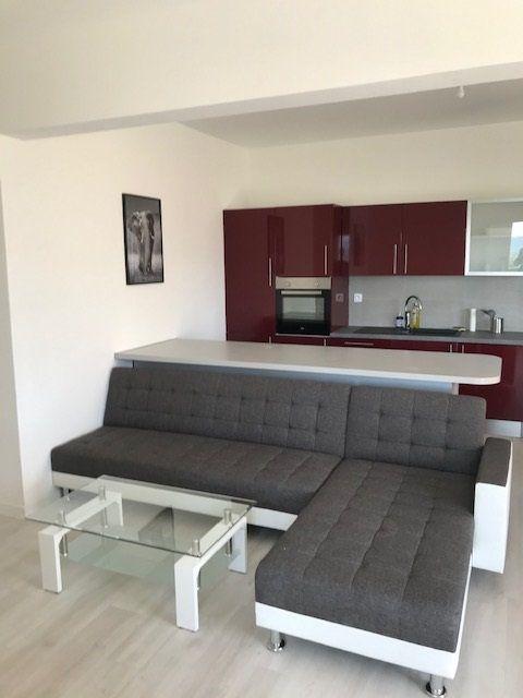 Appartement à louer 2 45.31m2 à Carros vignette-2