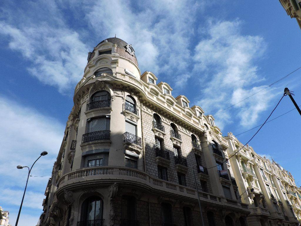 Appartement à louer 1 18.74m2 à Nice vignette-1