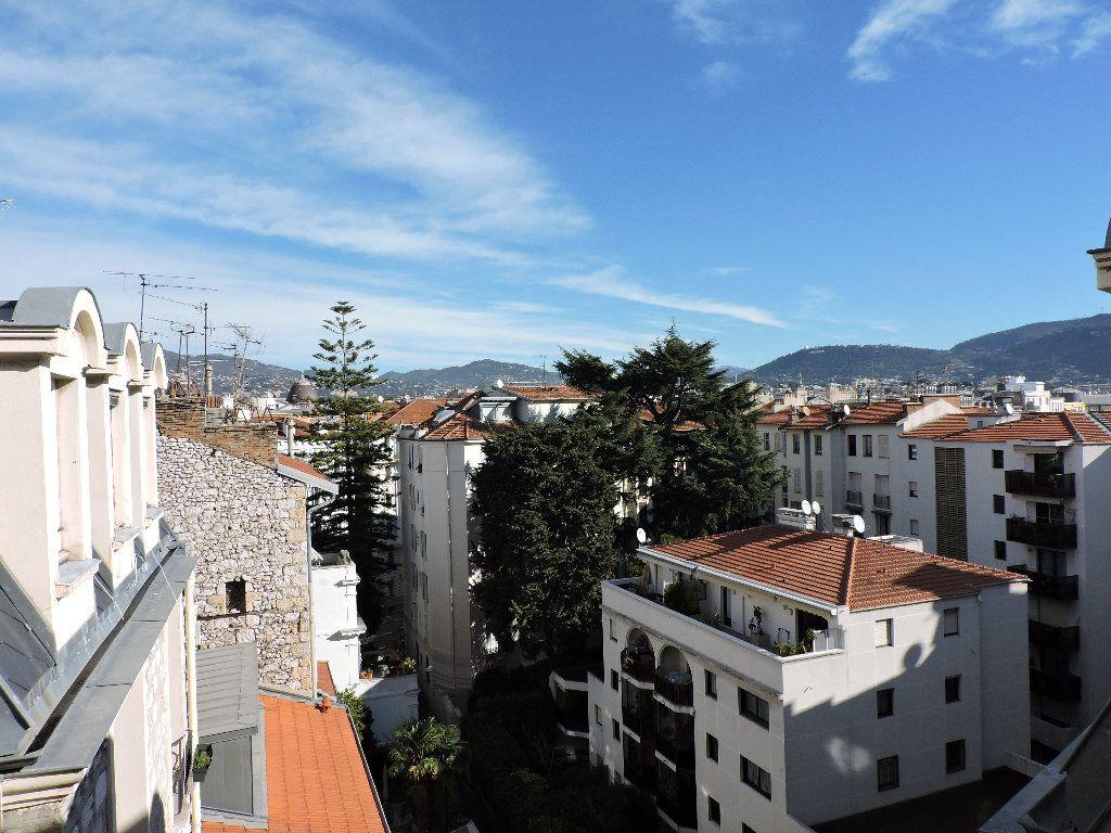 Appartement à louer 1 18.74m2 à Nice vignette-2