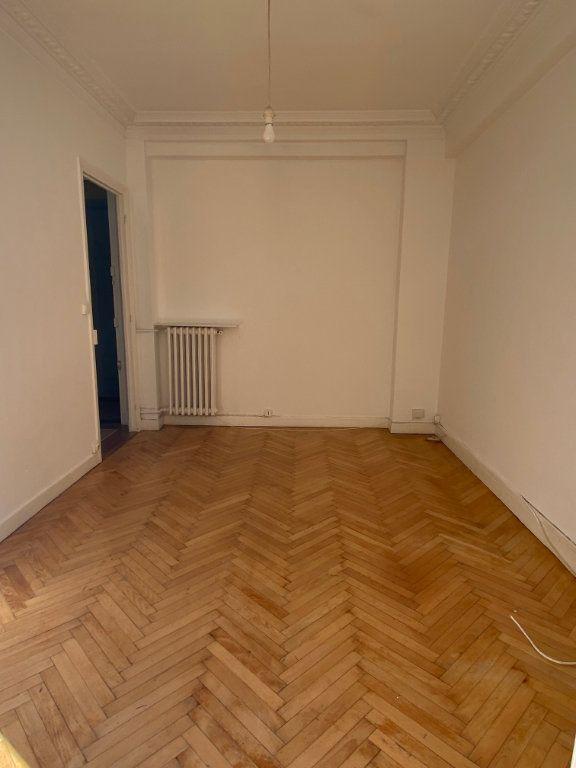 Appartement à louer 1 25m2 à Nice vignette-3