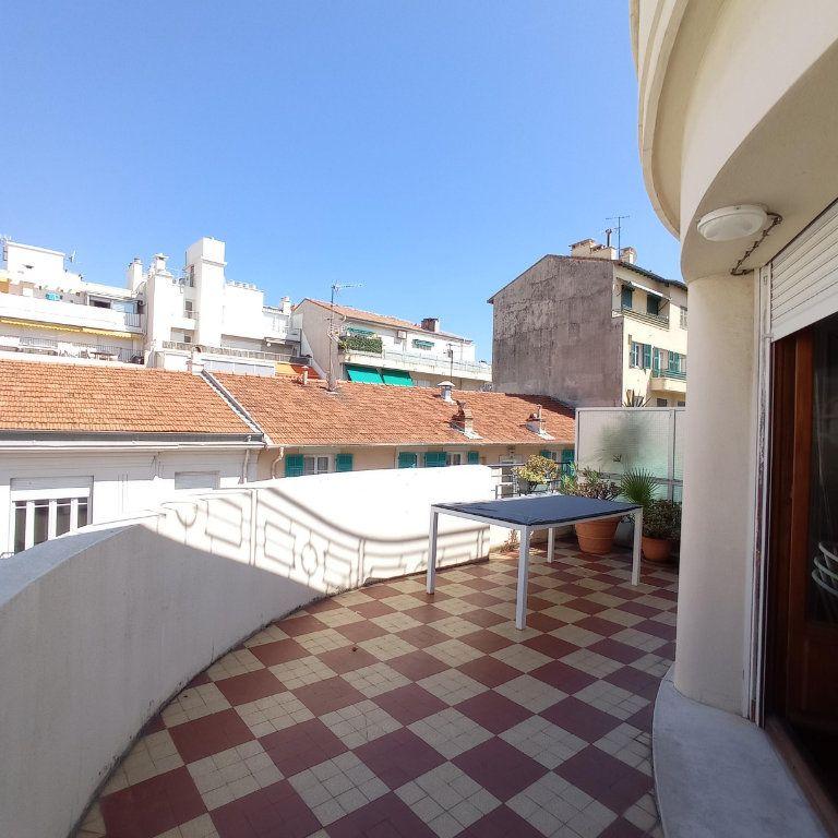 Appartement à louer 2 55.4m2 à Nice vignette-1