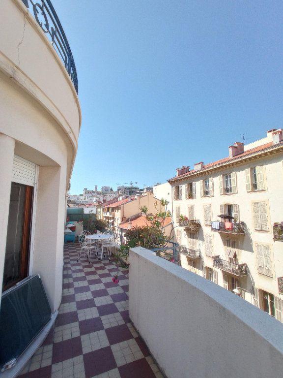 Appartement à louer 2 55.4m2 à Nice vignette-2