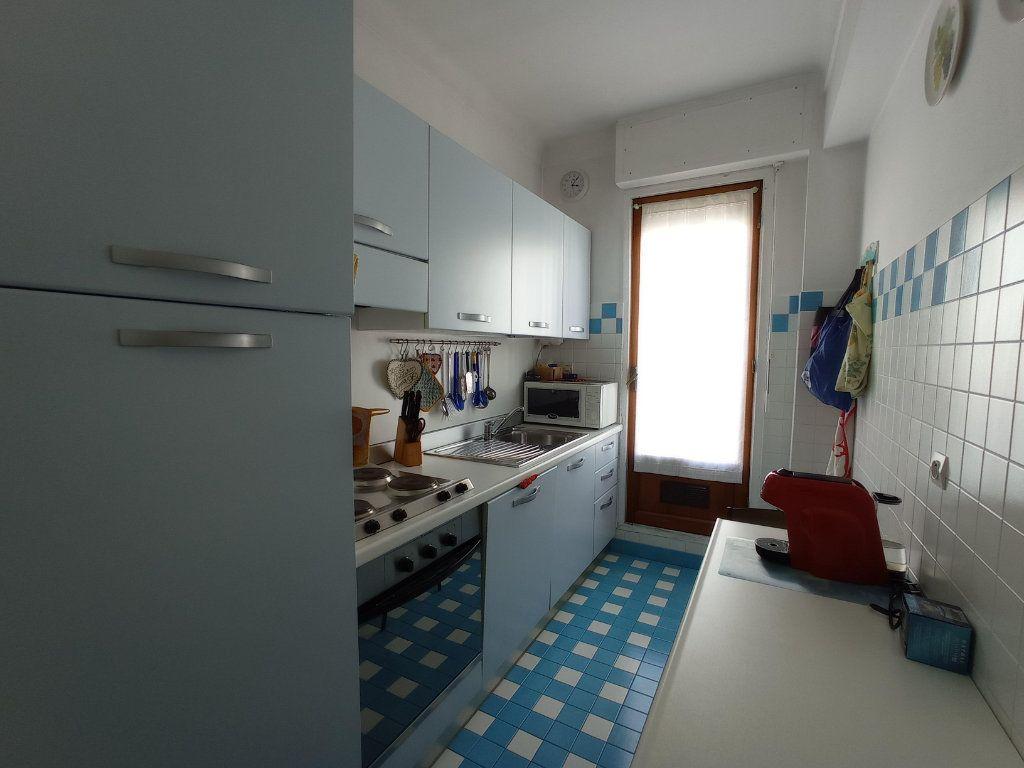 Appartement à louer 2 55.4m2 à Nice vignette-6