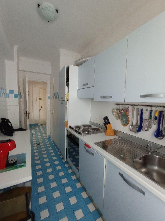 Appartement à louer 2 55.4m2 à Nice vignette-7