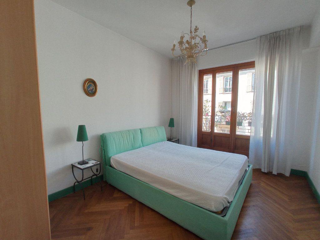 Appartement à louer 2 55.4m2 à Nice vignette-9