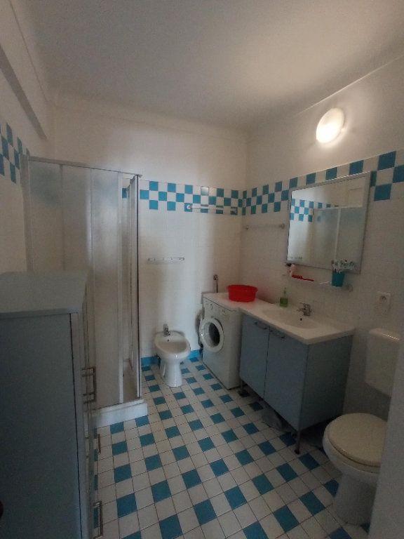Appartement à louer 2 55.4m2 à Nice vignette-10