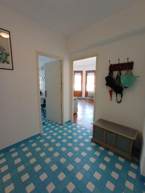 Appartement à louer 2 55.4m2 à Nice vignette-11