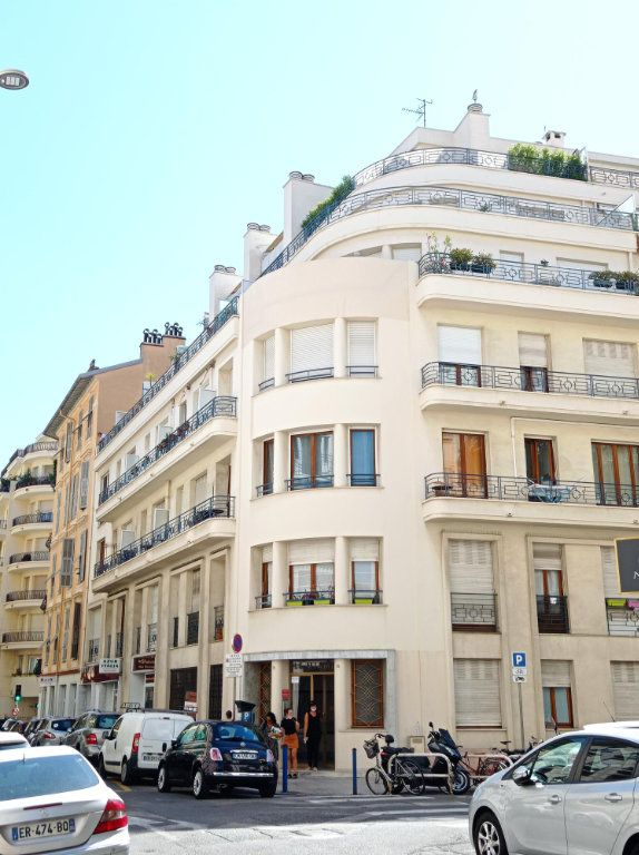 Appartement à louer 2 55.4m2 à Nice vignette-13