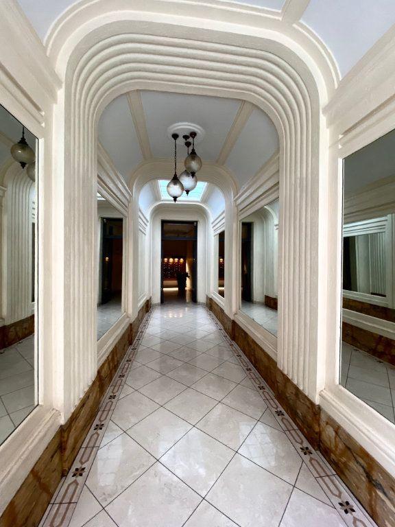 Appartement à louer 2 40.67m2 à Nice vignette-9