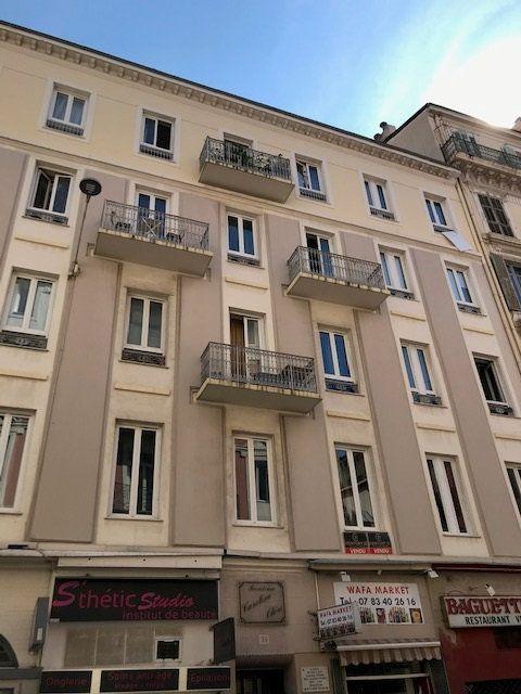 Appartement à louer 2 42.1m2 à Nice vignette-1