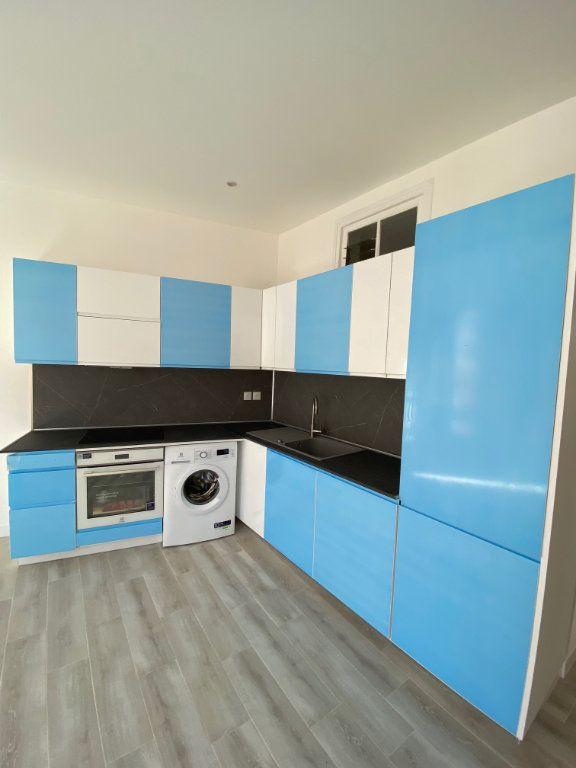 Appartement à louer 3 60.29m2 à Nice vignette-3