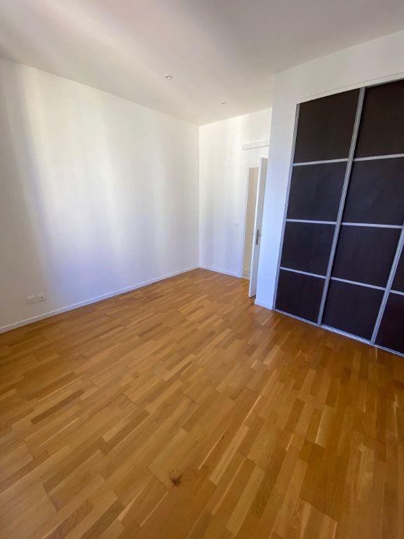 Appartement à louer 3 60.29m2 à Nice vignette-5