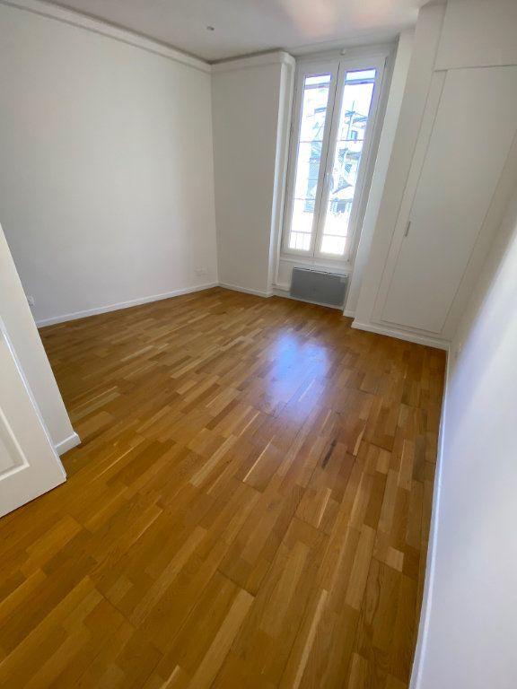 Appartement à louer 3 60.29m2 à Nice vignette-6