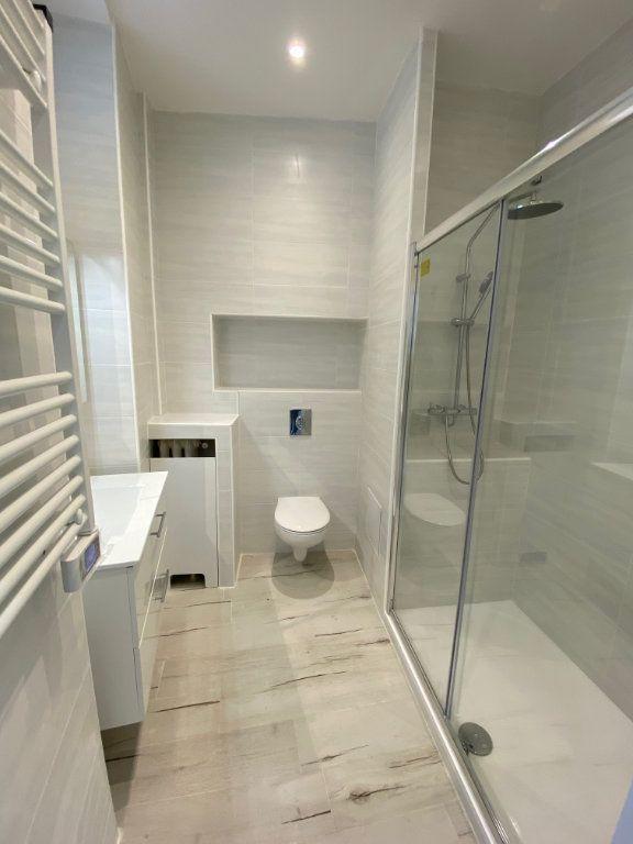 Appartement à louer 3 60.29m2 à Nice vignette-7