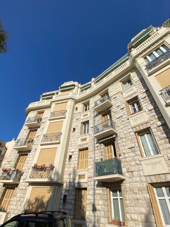 Appartement à louer 1 17.32m2 à Nice vignette-1