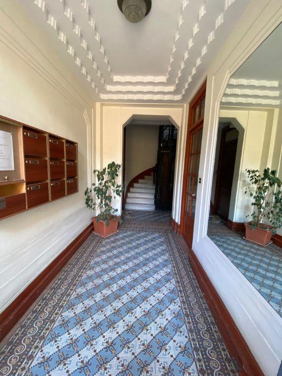 Appartement à louer 1 17.32m2 à Nice vignette-7