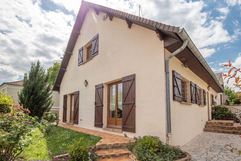 Maison à vendre 7 149m2 à Champigny-sur-Marne vignette-1