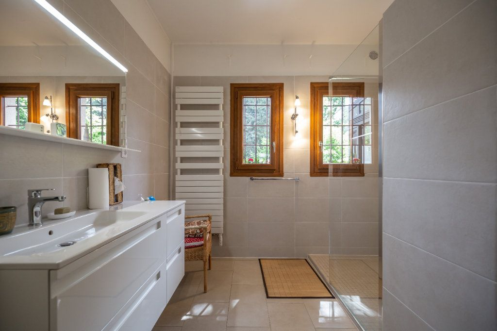 Maison à vendre 7 149m2 à Champigny-sur-Marne vignette-10