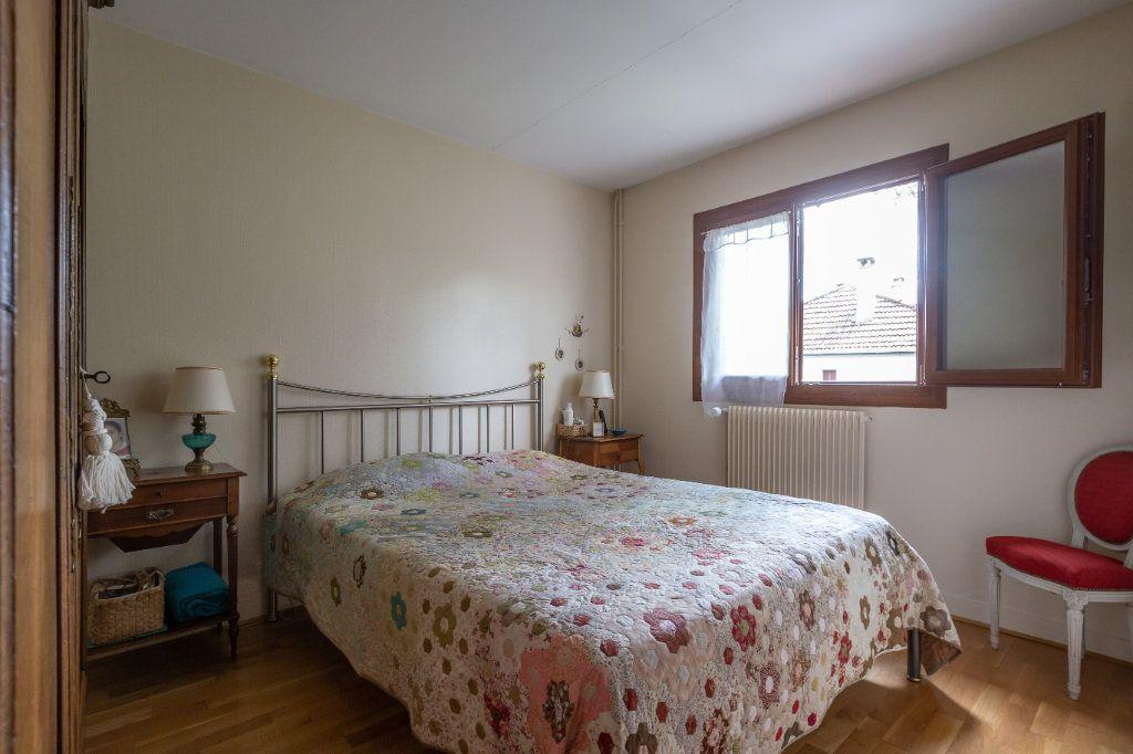 Maison à vendre 7 149m2 à Champigny-sur-Marne vignette-11