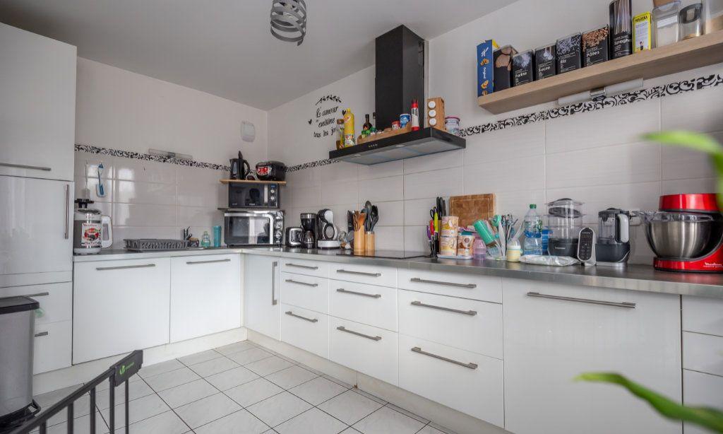 Appartement à vendre 3 68m2 à Champigny-sur-Marne vignette-2