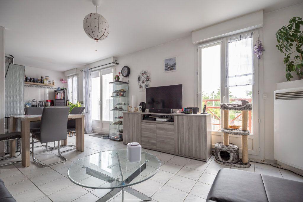 Appartement à vendre 3 68m2 à Champigny-sur-Marne vignette-3