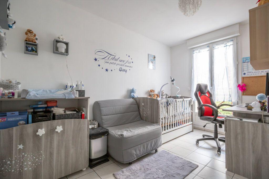 Appartement à vendre 3 68m2 à Champigny-sur-Marne vignette-5