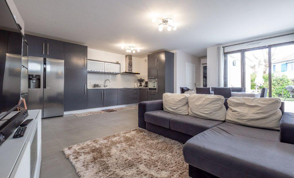Appartement à vendre 2 54m2 à Champigny-sur-Marne vignette-3