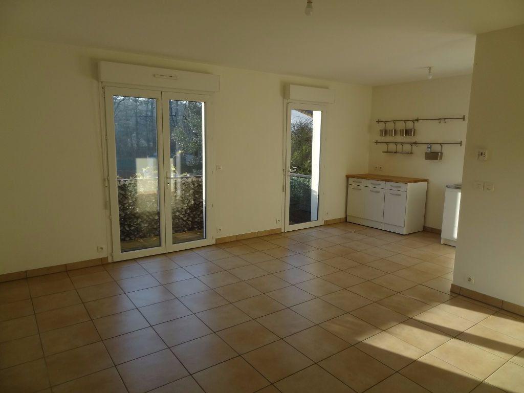 Appartement à louer 3 64.7m2 à Triel-sur-Seine vignette-2