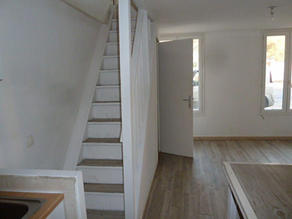 Appartement à louer 2 38m2 à Vaux-sur-Seine vignette-2