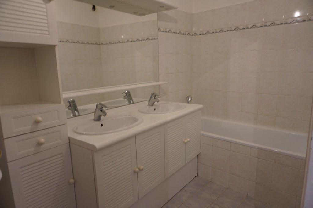 Appartement à louer 3 62.5m2 à Triel-sur-Seine vignette-9
