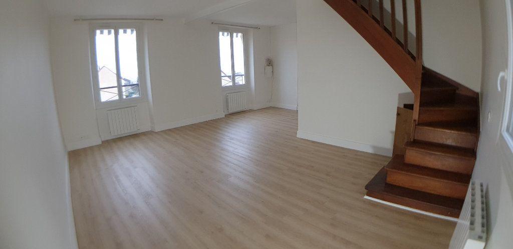 Appartement à louer 3 70.25m2 à Chanteloup-les-Vignes vignette-3