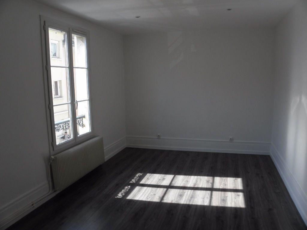 Appartement à louer 2 40m2 à Poissy vignette-2