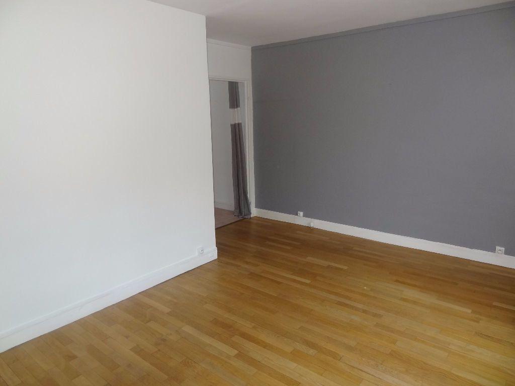 Appartement à louer 4 73.4m2 à Triel-sur-Seine vignette-3