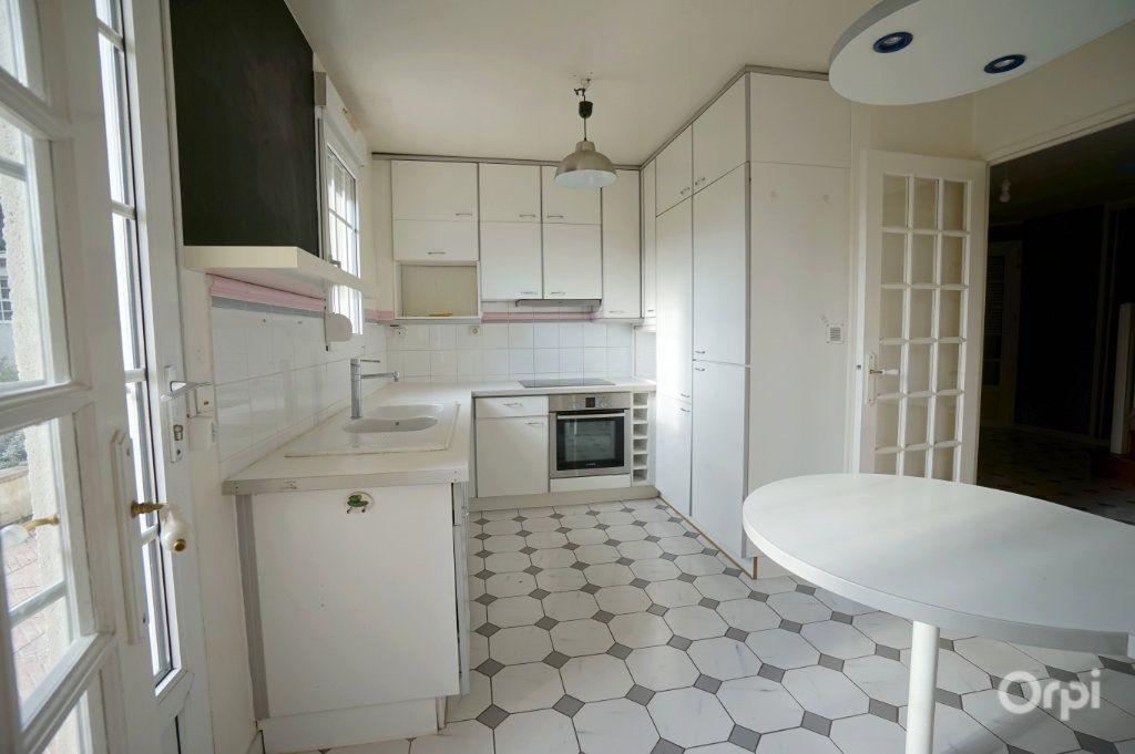 Maison à vendre 8 178.36m2 à Triel-sur-Seine vignette-3
