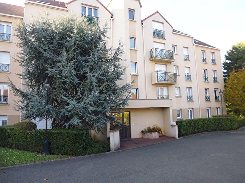 Appartement à louer 1 30m2 à Verneuil-sur-Seine vignette-1