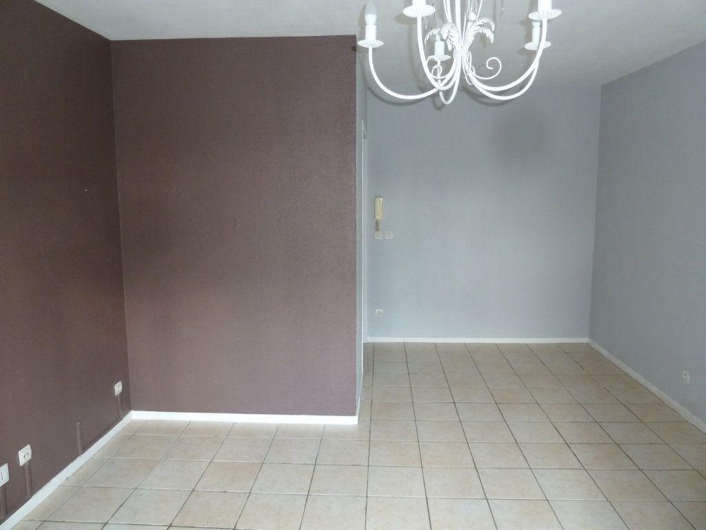 Appartement à louer 1 30m2 à Verneuil-sur-Seine vignette-4