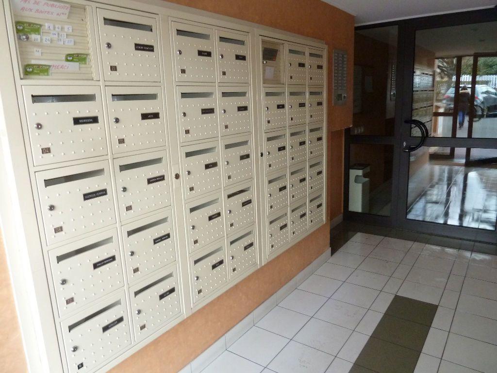 Appartement à louer 1 30m2 à Verneuil-sur-Seine vignette-8