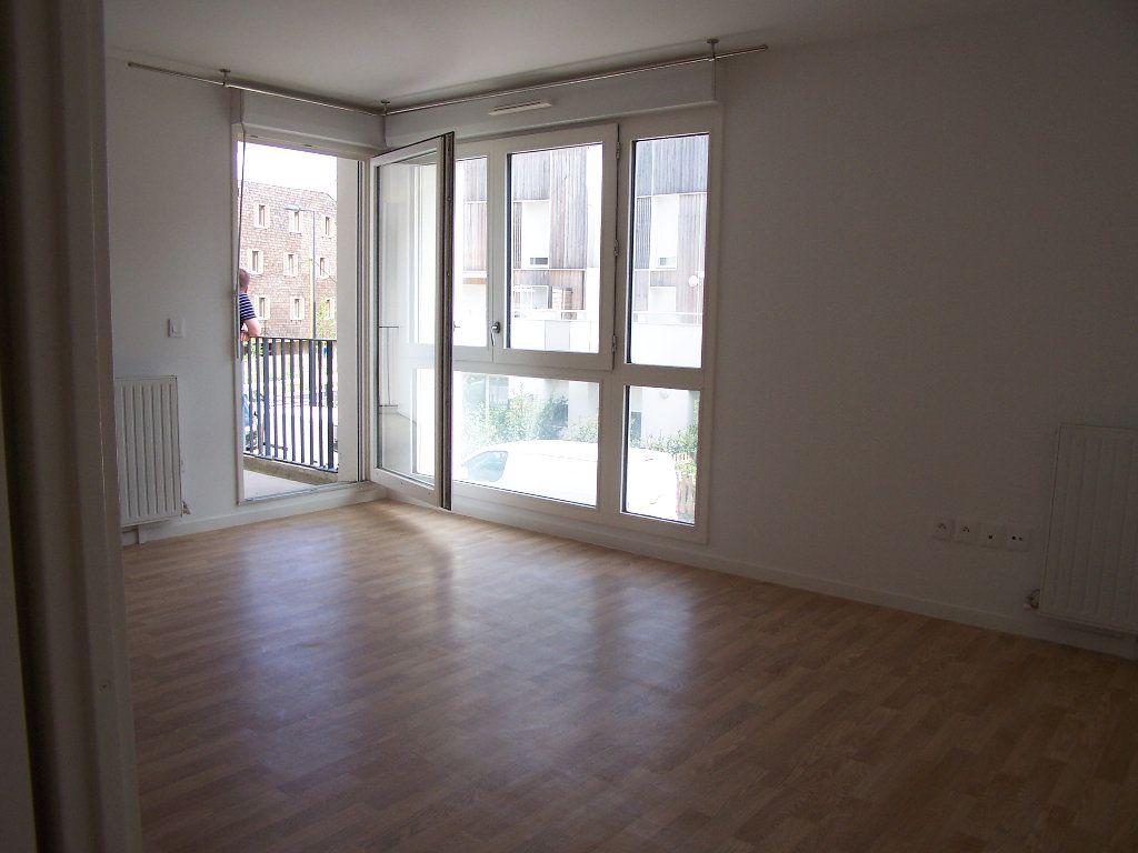 Appartement à louer 2 43m2 à Menucourt vignette-4