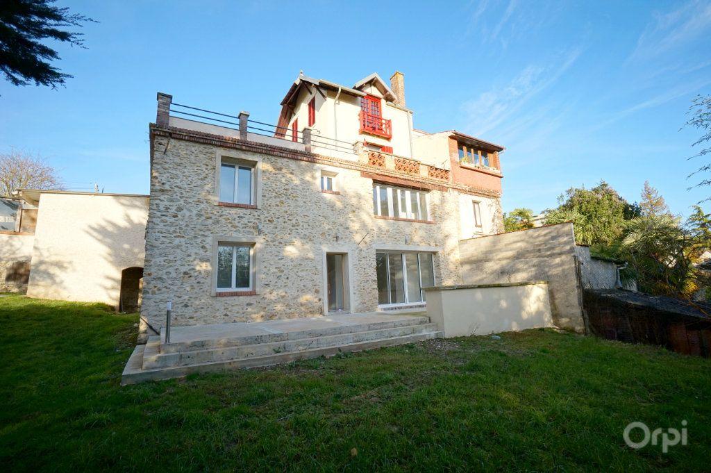 Appartement à vendre 4 120.35m2 à Vaux-sur-Seine vignette-1