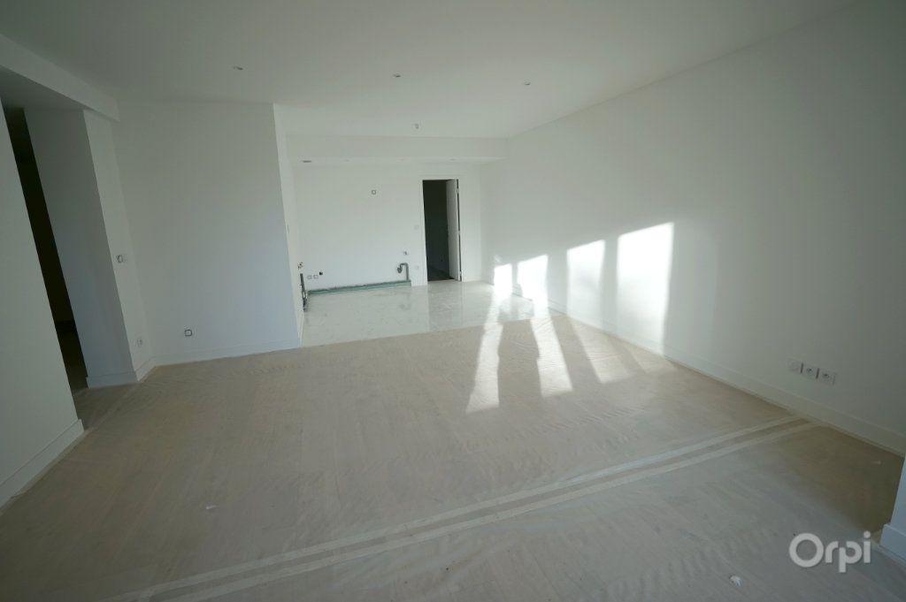 Appartement à vendre 4 120.35m2 à Vaux-sur-Seine vignette-3