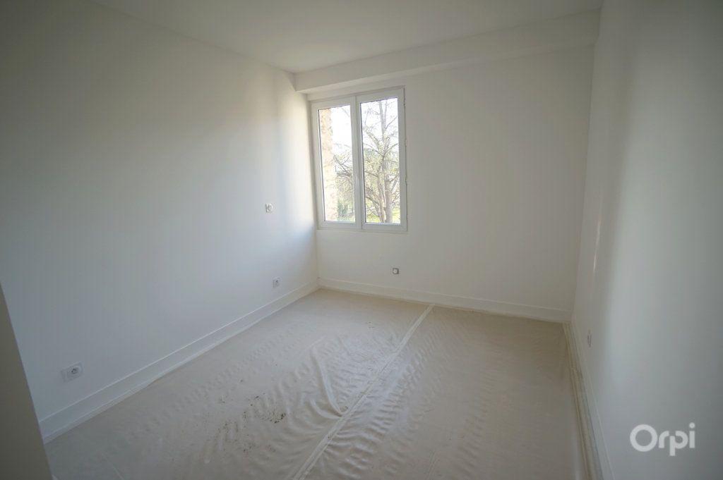 Appartement à vendre 4 120.35m2 à Vaux-sur-Seine vignette-5