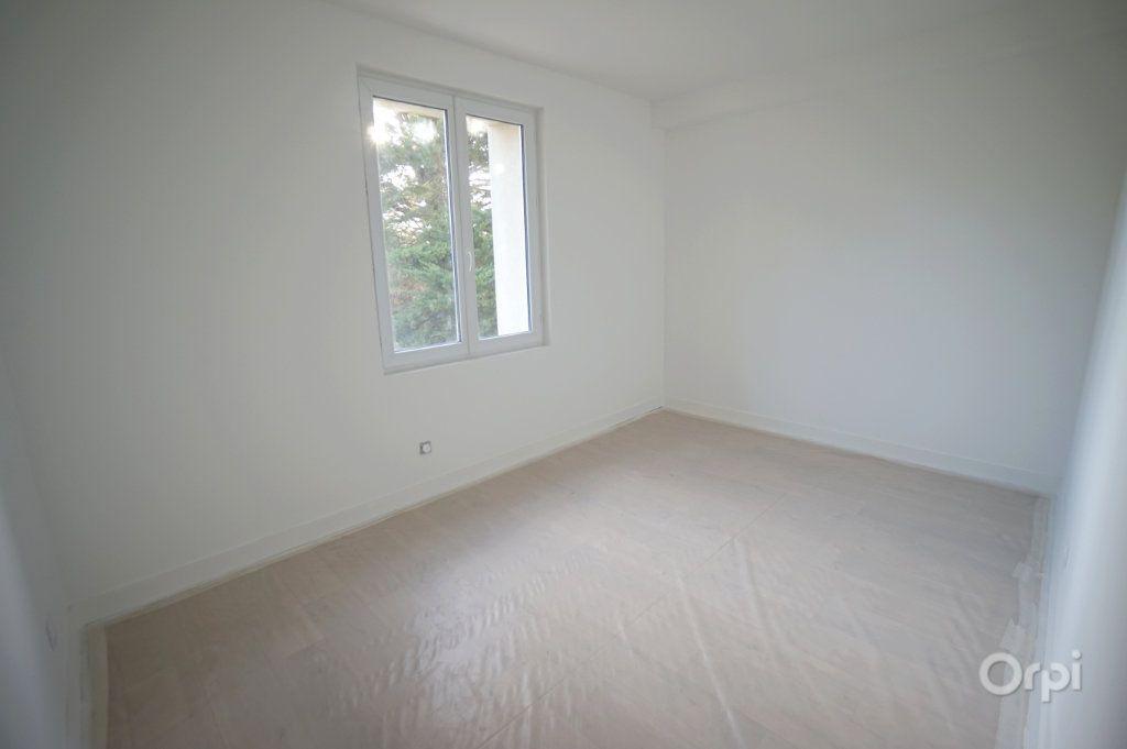 Appartement à vendre 4 120.35m2 à Vaux-sur-Seine vignette-6