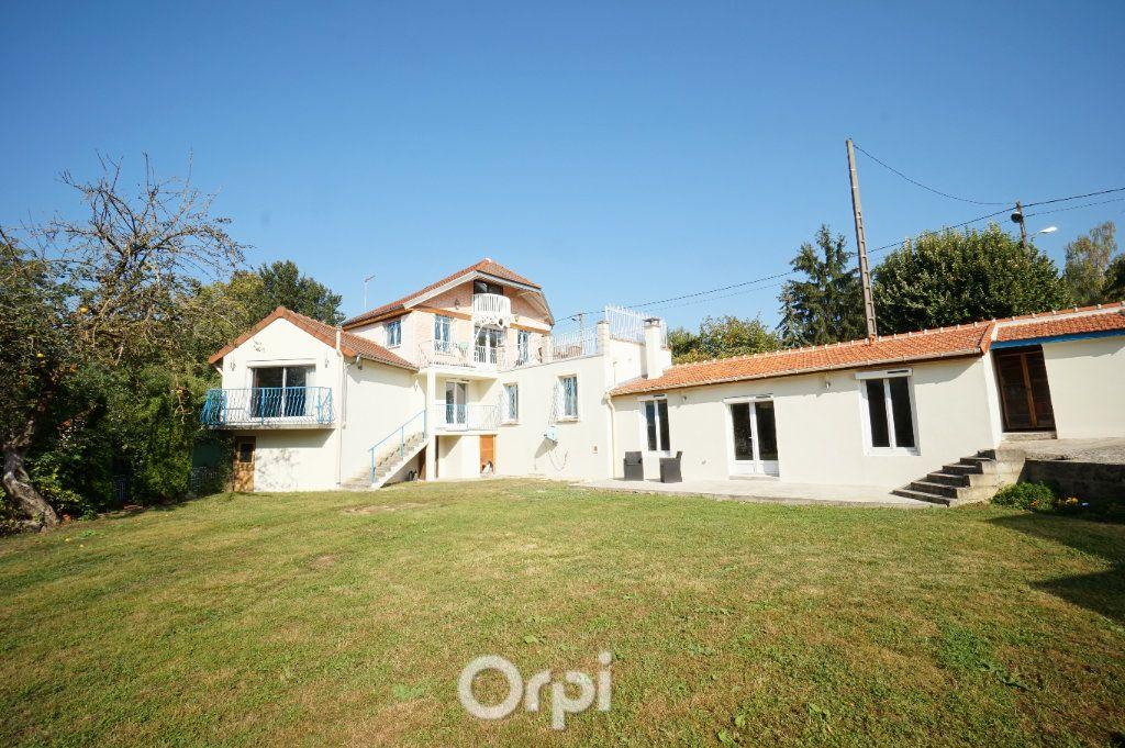 Maison à vendre 7 195m2 à Triel-sur-Seine vignette-1