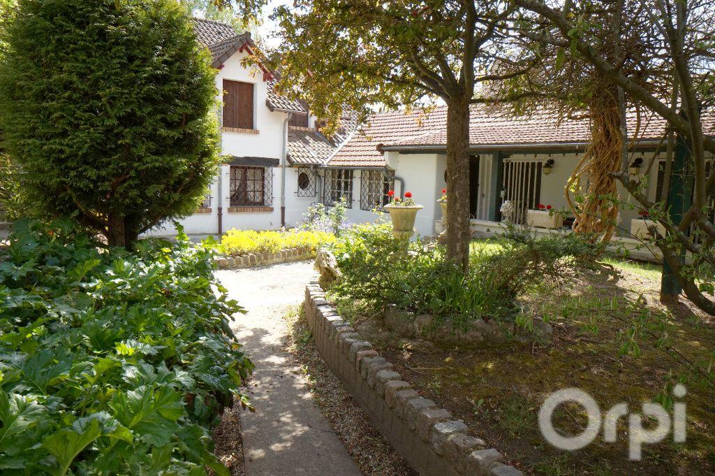 Maison à vendre 6 375m2 à Triel-sur-Seine vignette-4