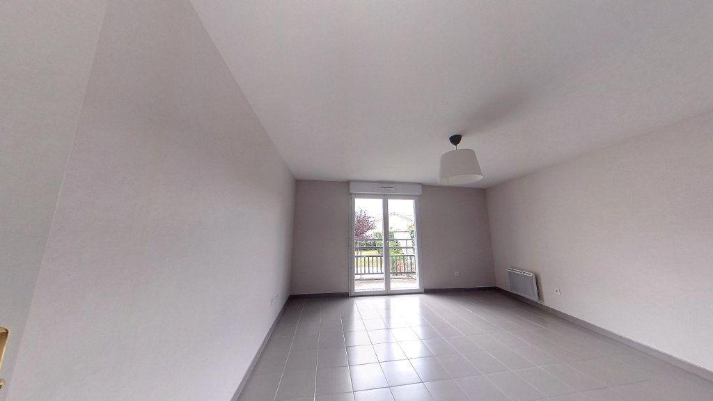 Appartement à louer 3 58.9m2 à Chanteloup-les-Vignes vignette-1