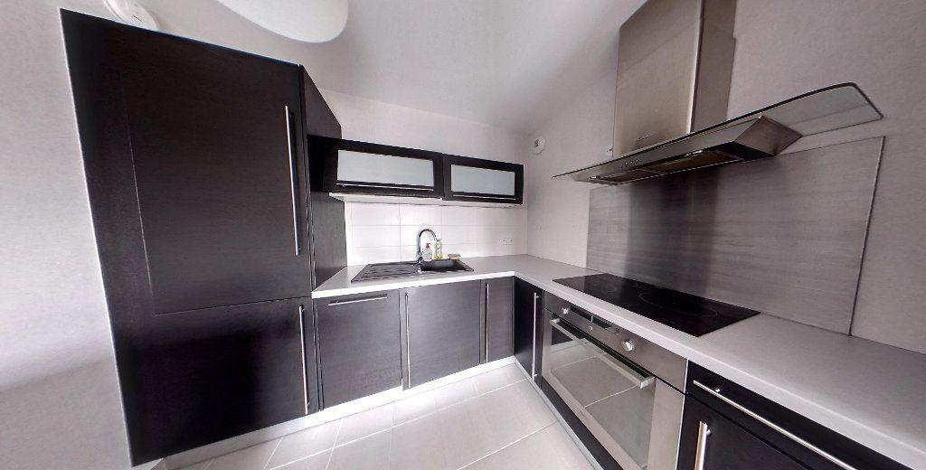 Appartement à louer 3 58.9m2 à Chanteloup-les-Vignes vignette-3