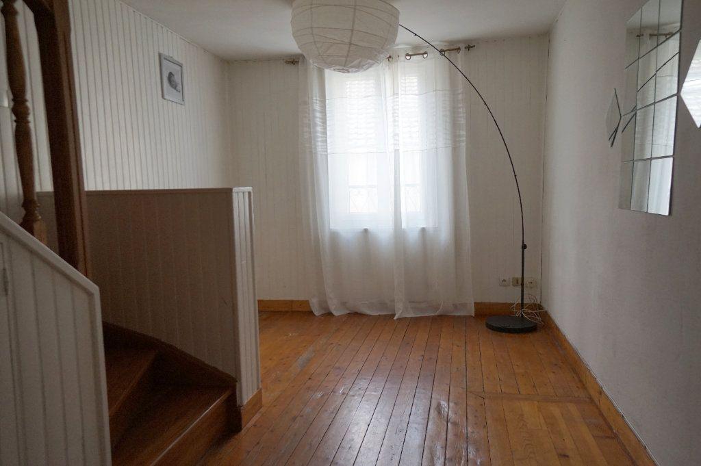 Maison à louer 4 65m2 à Menucourt vignette-4