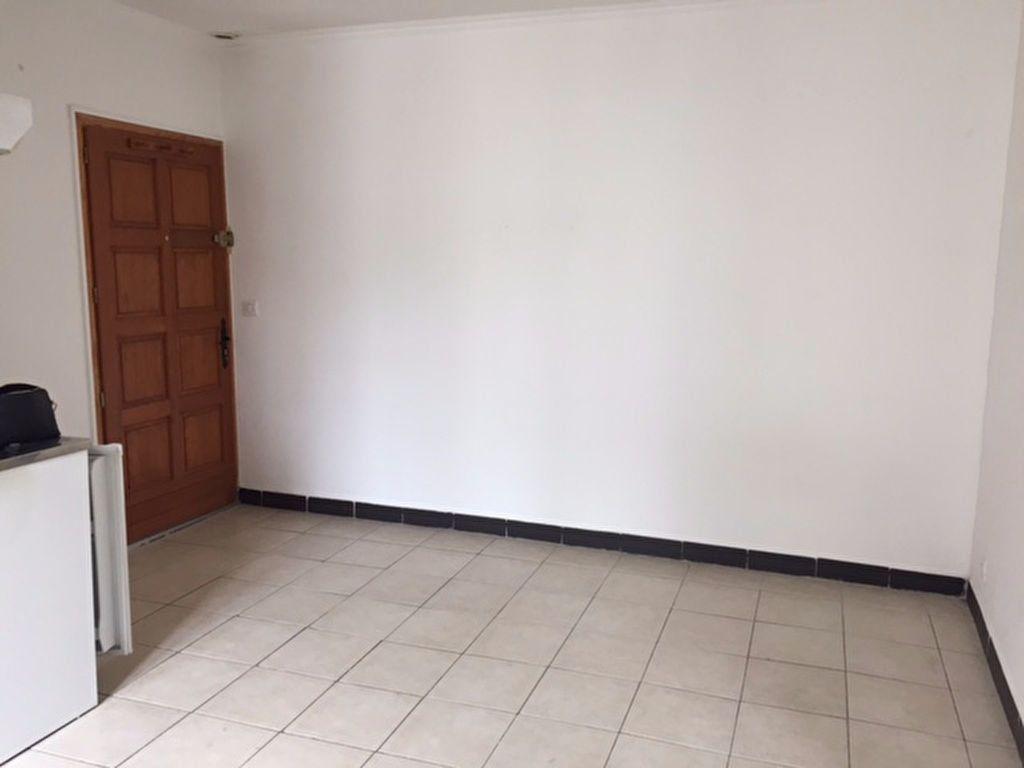 Appartement à louer 2 28.85m2 à Bourg-la-Reine vignette-1