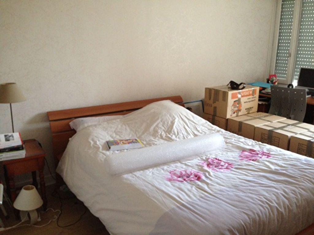 Appartement à louer 4 80.05m2 à Fontenay-aux-Roses vignette-2