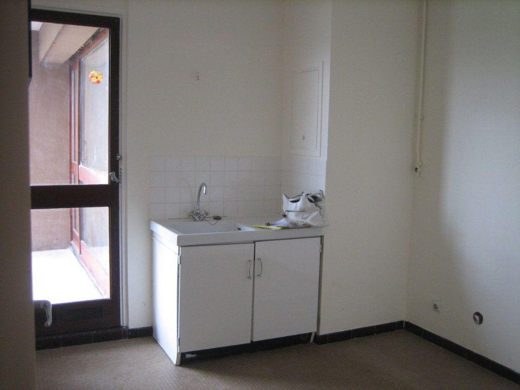 Appartement à louer 2 57.59m2 à Cachan vignette-5
